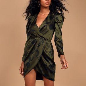 NWT ASTR Jocelyn Green Dress